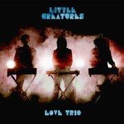 H221226_love_trio_3